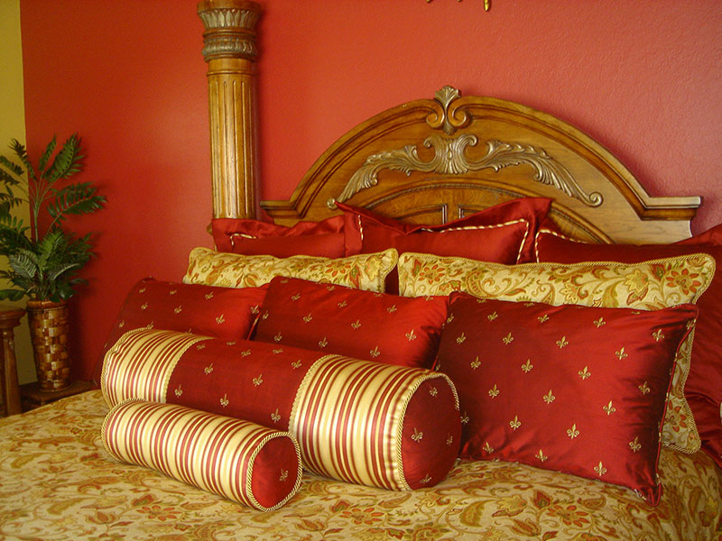 Regal feeling in a country french bedroom